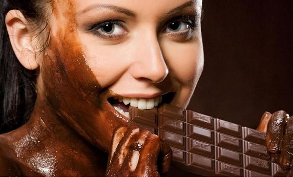 Большая плитка шоколада