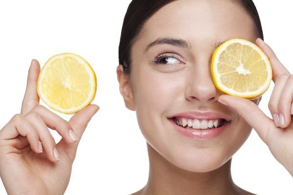 Два ломтика лимона