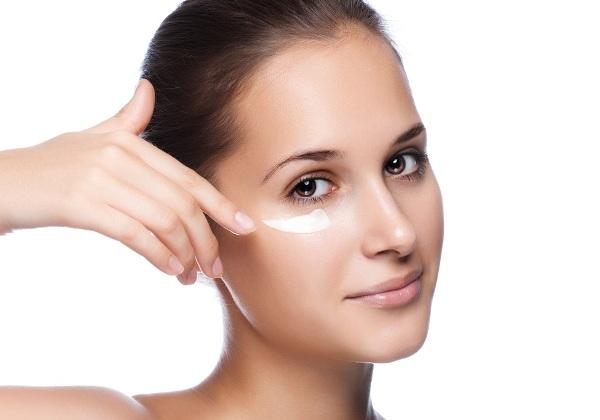 Маска для кожи вокруг глаз – лучшие домашние рецепты