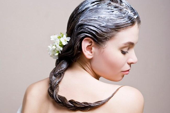 Цветы в косе