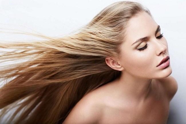 Блондинка на ветру