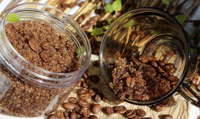 Зерна в стеклянной чашке