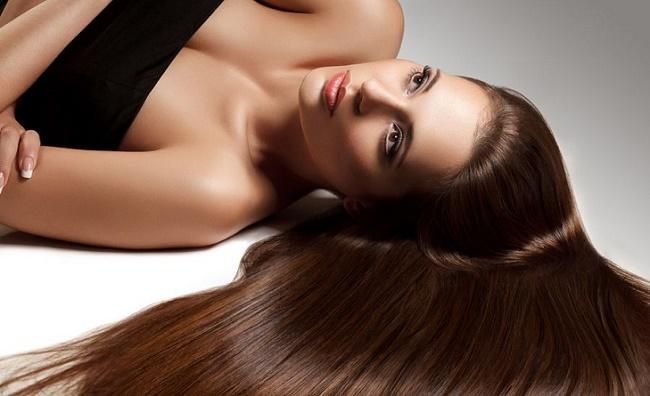 Какое из эфирных масел помогает от выпадения волос