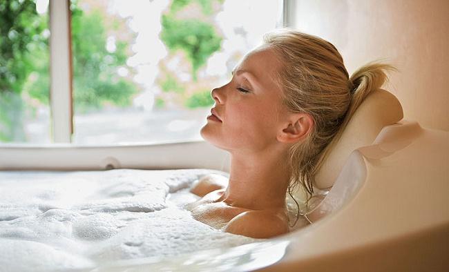Девушка в ванной в пене фото 581-111