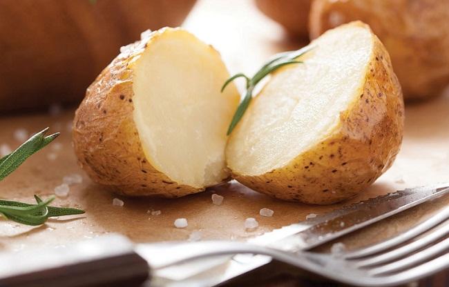 Что за диета первый день картошка в мундире и кефир ...