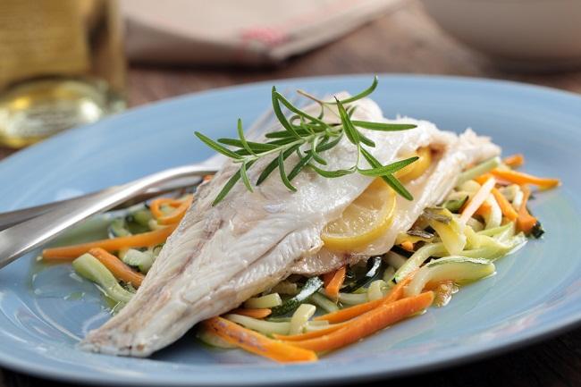 Рыба на овощах