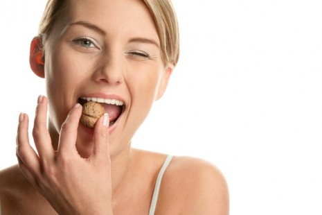 Девушка есть орех